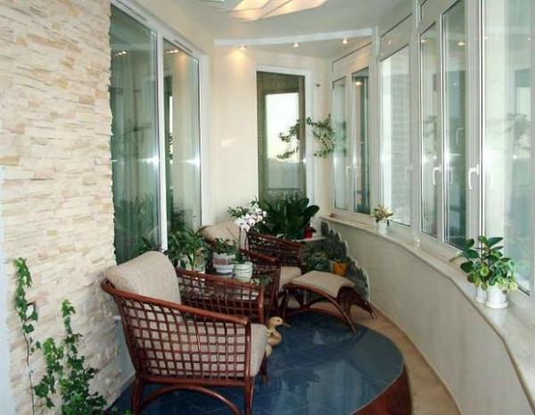 Мебель и интерьер балкона