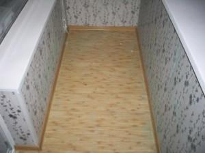 Чем покрыть пол на балконе — советы мастера