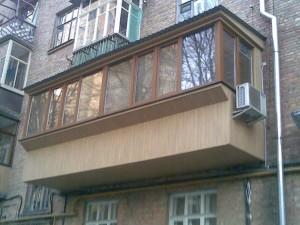 Коричневый балкон