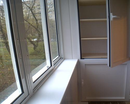 Удобный и красивый шкаф на балкон 40 89