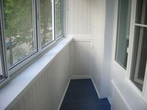 Белоснежный балкон