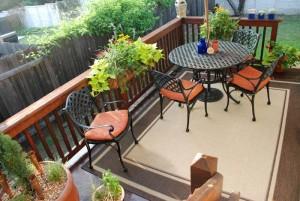 Идеальный интерьер открытого балкона