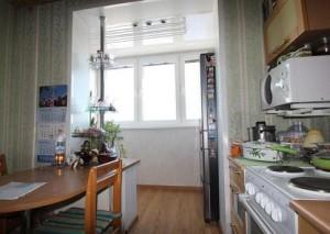 Кухня. объединение с балконом