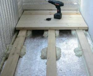 Монтаж деревянного пола по утеплителю