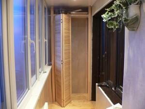 Плетенная дверь в шкафу