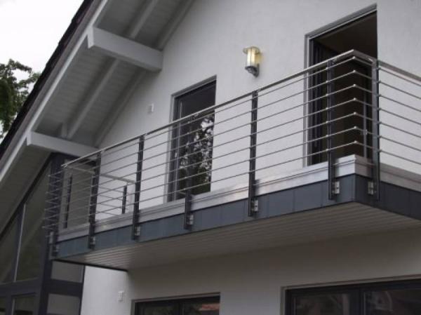 фото балконы в частных домах