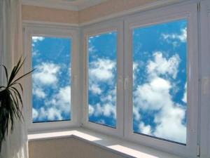 Остекление лоджий пластиковыми окнами — преимущества и недостатки