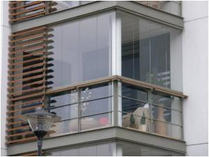 Безрамное остекление, внешняя и внутренняя отделка балконов