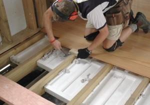 Теплоизоляционные плиты в промежутках