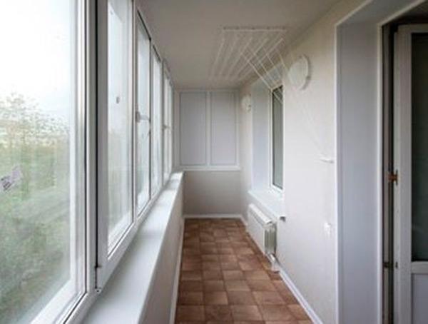 Остекление лоджий и балконов - цены и выбор варианта.