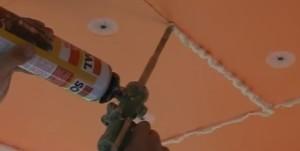 Пеноплэкс крепится к потолку дюбелями