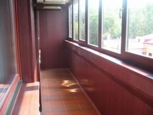 Длинный балкон