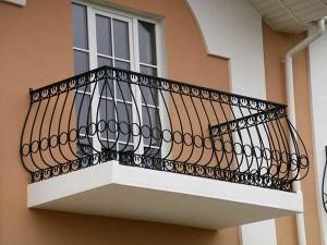 Решетка на балконе