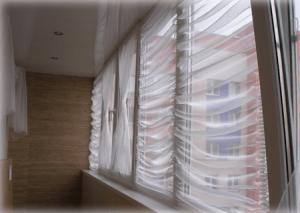 Как выбрать шторы на лоджию – фото возможных вариантов