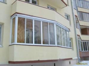 Просторный и уютный балкон