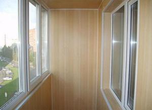 Оформление балкона ПВХ  панелями