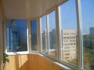 Остекление большого балкона