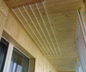 Современная потолочная сушилка для белья на балкон – виды и их особенности