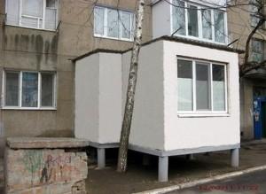 "Балкон на ""ножках"""